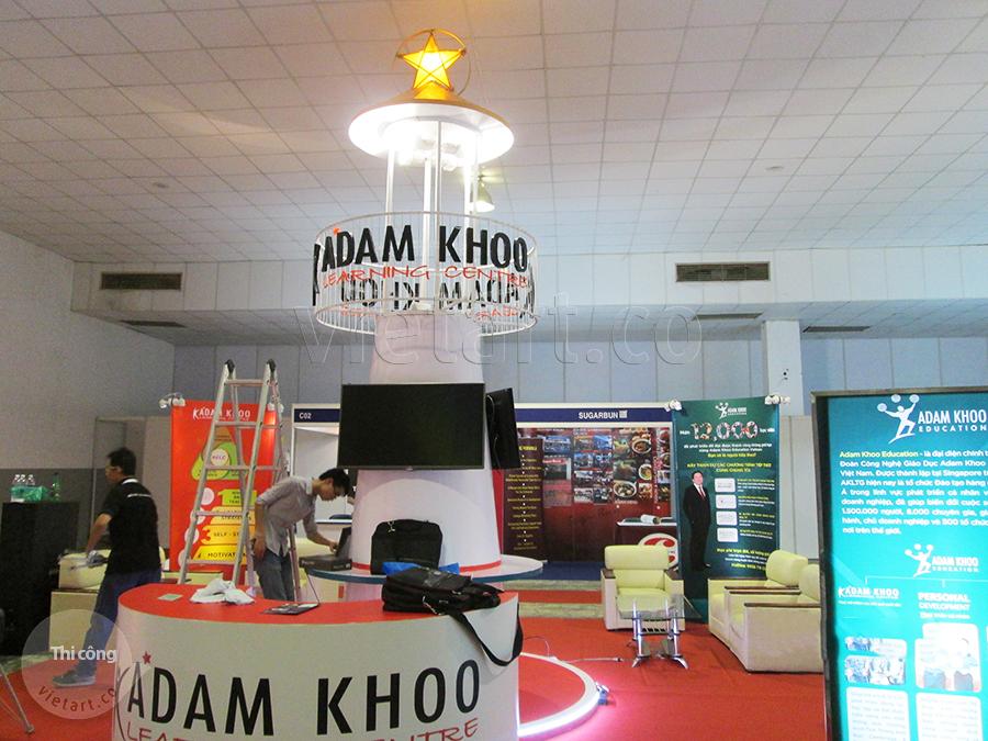 Hình ảnh gian hàng triển lãm giáo dục Adam Khoo