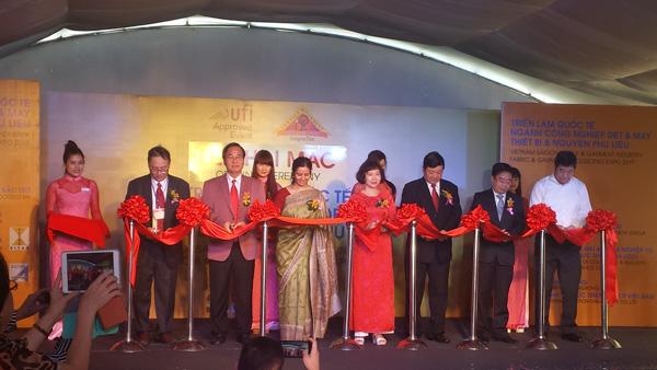 Khai mạc hội chợ triễn lãm quốc tế công nghệ dệt may 2015